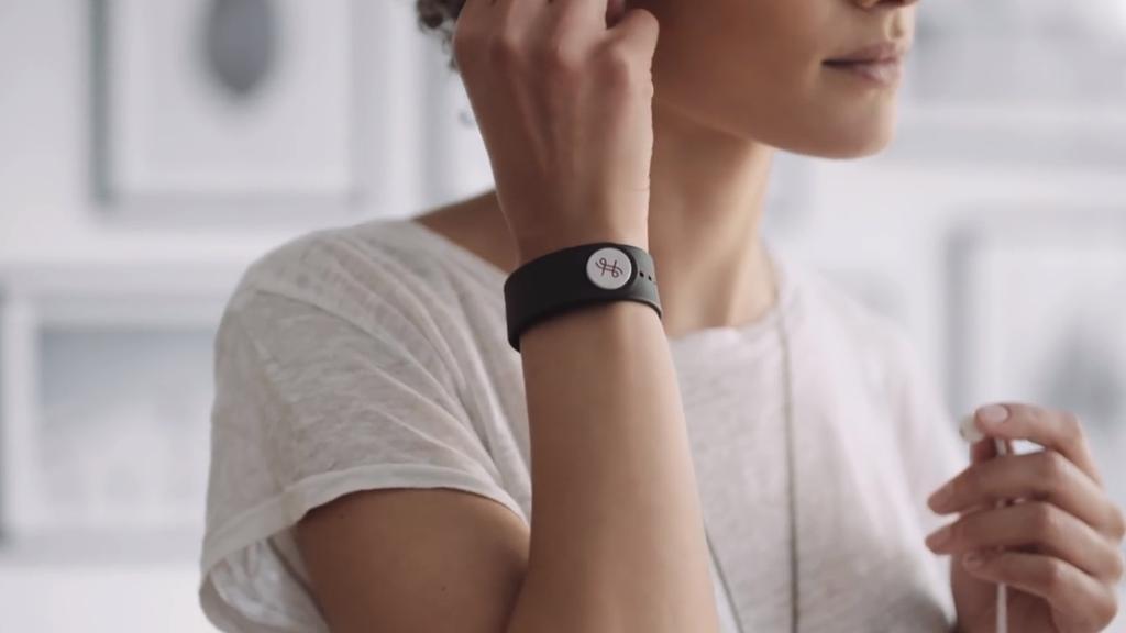 Un bracelet pour ressentir les basses dans votre corps