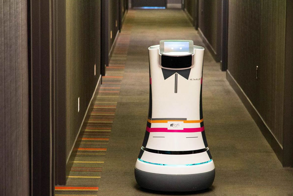 Hotels : Robots et data révolutionnent le service au client