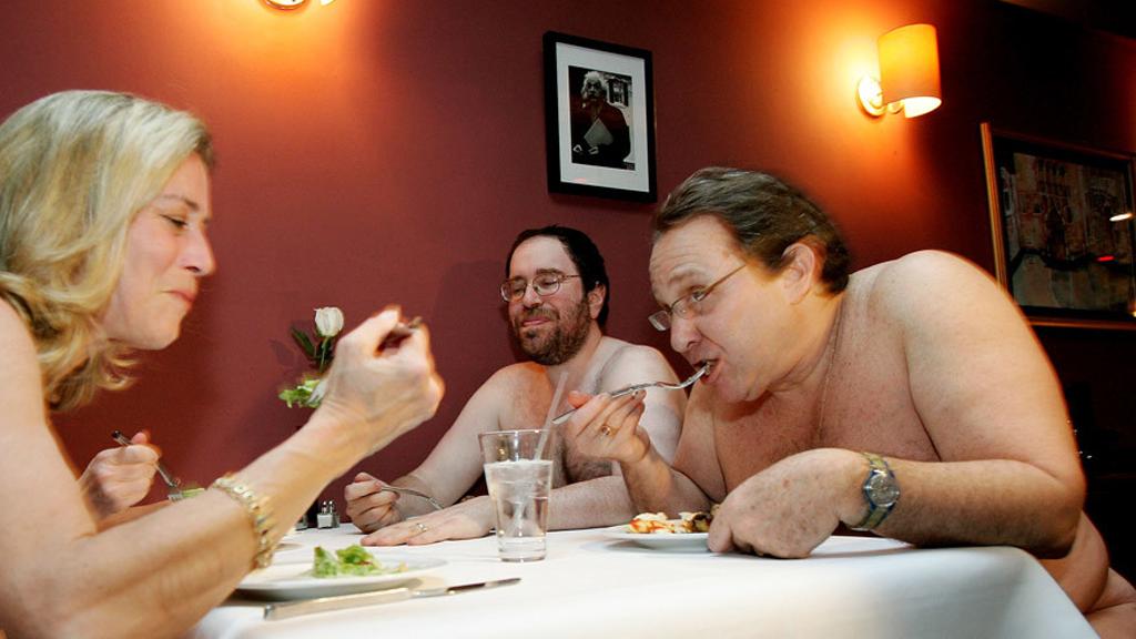 Un restaurant à Londres où l'on mange… nu !
