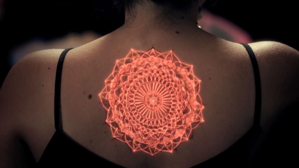 Les tatouages vont-ils devenir des lumières psychédéliques ?
