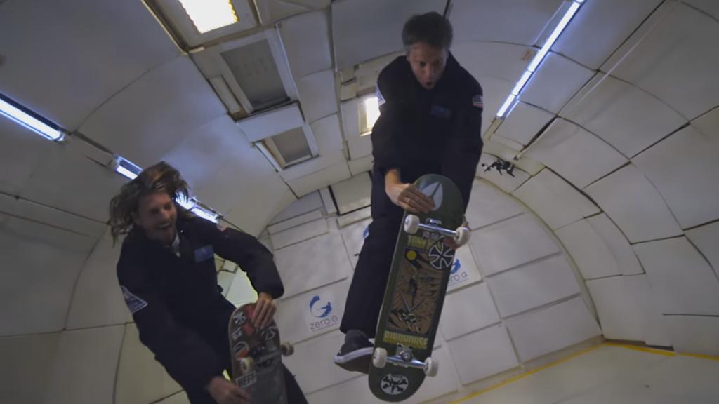 Tony Hawk, le premier homme à voler en skateboard