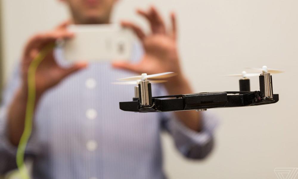 Le dentiste qui transforme votre coque d'iPhone en drone de poche