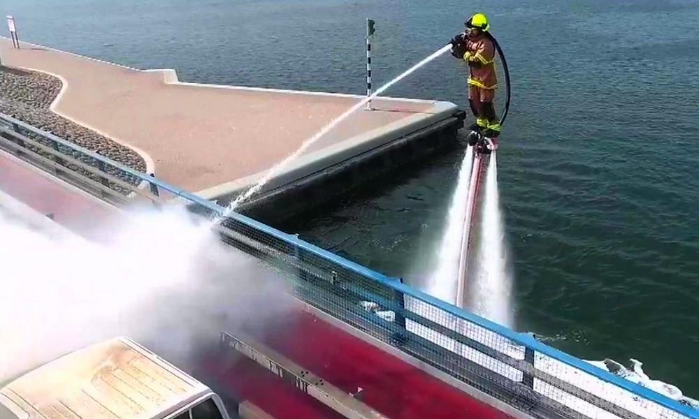 Les pompiers de Dubaï s'envoient en l'air