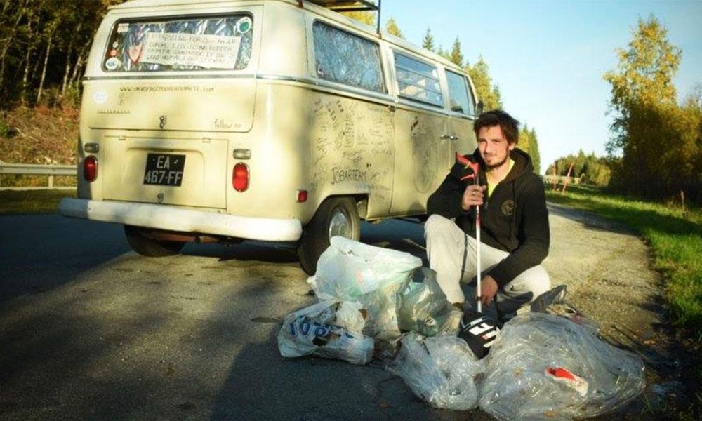 Cet homme parcourt l'Europe en van pour nettoyer les routes