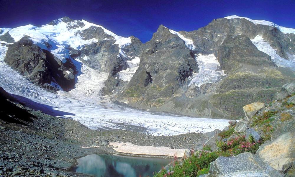 De la neige artificielle pour sauver un glacier suisse