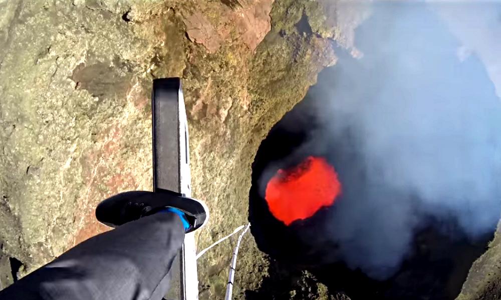 Vacances de l'extrême : sautez à l'élastique au-dessus d'un volcan !