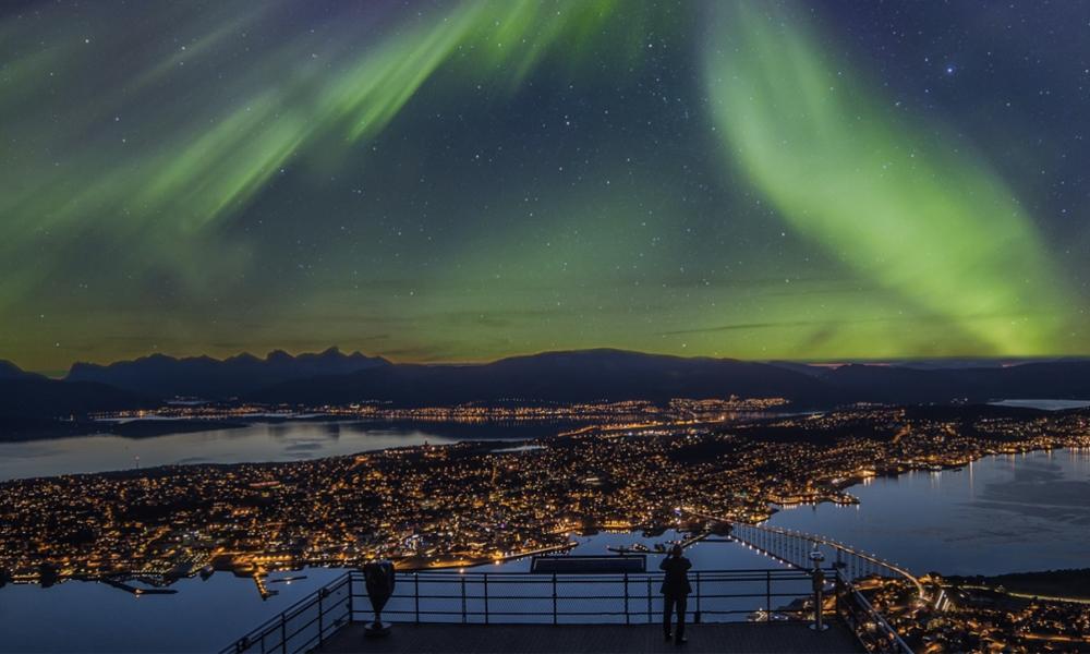 Tromso, la ville où il fait nuit tout l'hiver mais où tout le monde est heureux
