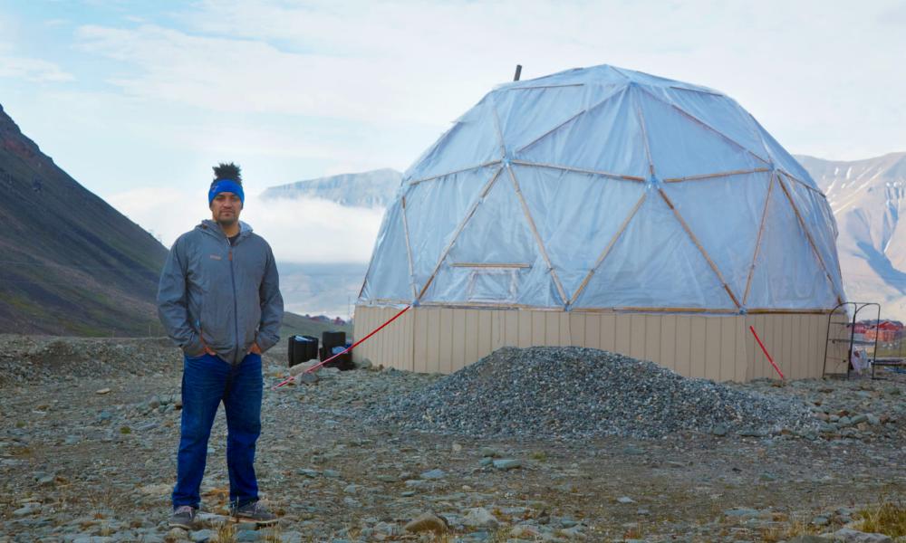 Grâce à la permaculture, ce chef américain fait pousser des légumes en région polaire