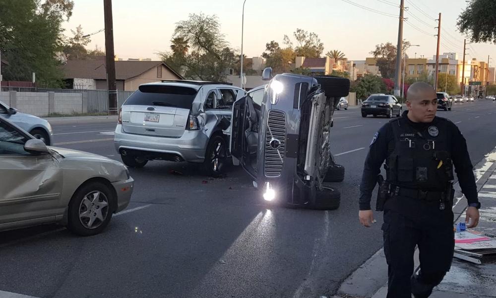 Voiture autonome : qui la police devra-t-elle arrêter en cas d'accident ?