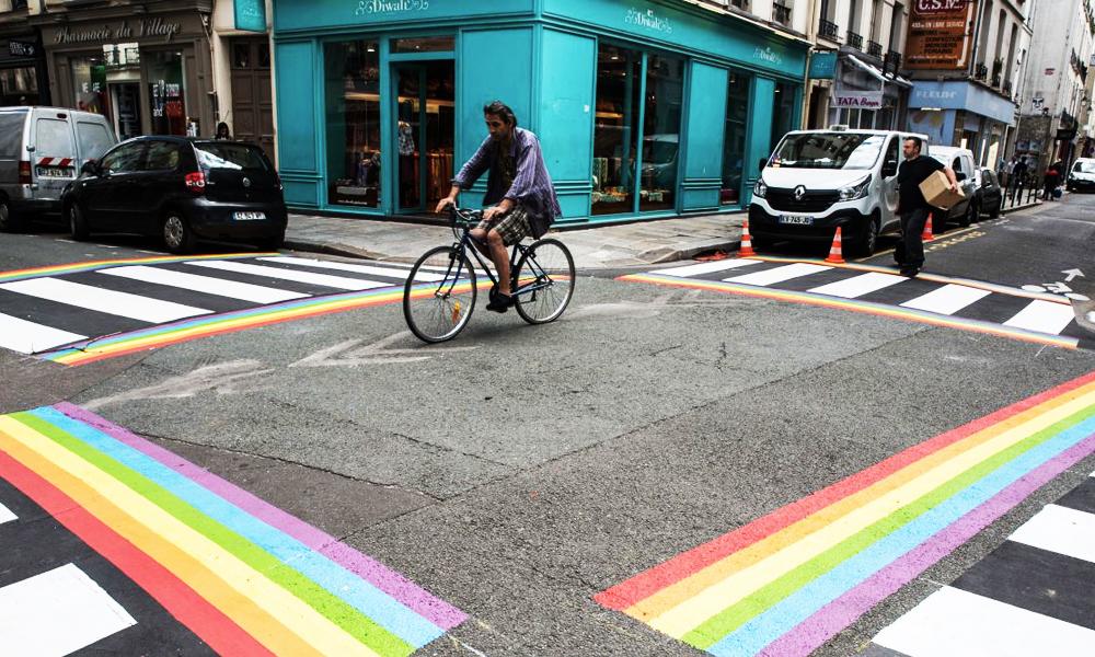 Les passages piétons LGBT de Paris vont devenir permanents