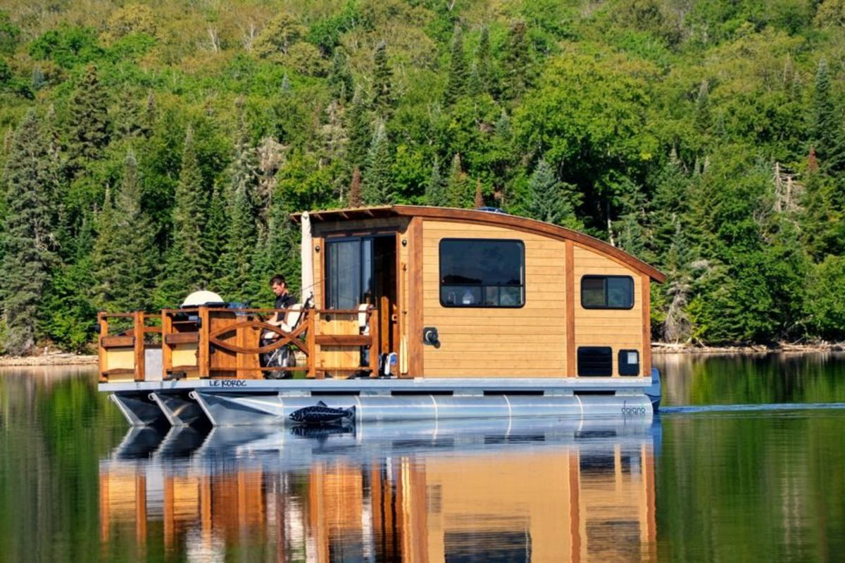 Tout plaquer pour faire le tour du monde à bord de cette maison-bateau flottante