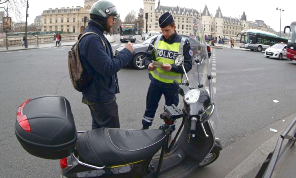 À Paris, les PV ont bondi de +170% pour les motos et scooters
