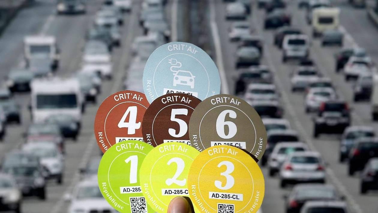 Pollution : des Français dénoncent l'absurdité des vignettes Crit'Air