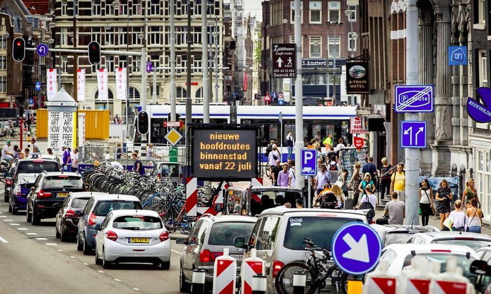 Les voitures à essence seront interdites à Amsterdam d'ici 2030