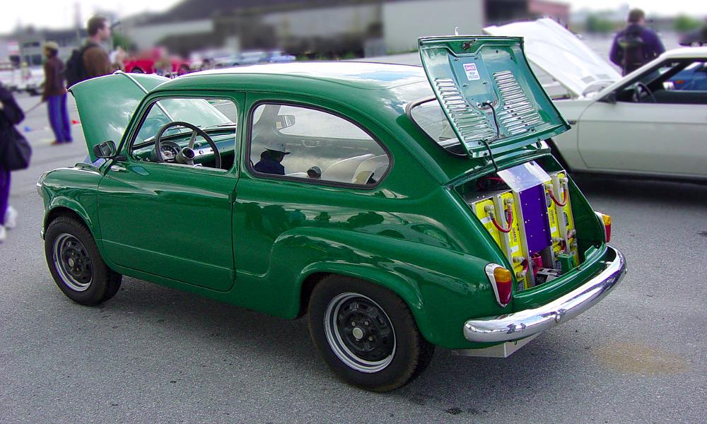 Des Grenoblois convertissent n'importe quelle voiture à l'électrique en 7 jours