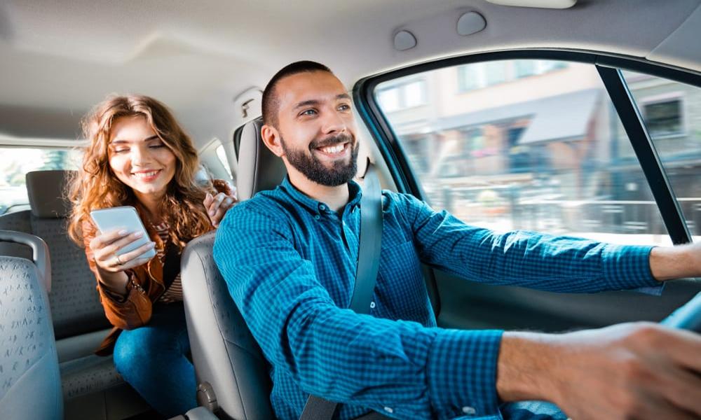 """Uber lance un abonnement mensuel """"VTC + vélo + repas"""""""