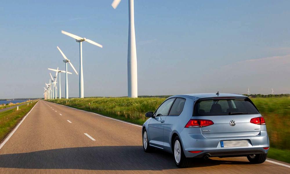 Grâce aux voitures électriques, la France pourrait économiser 1,2 milliard d'euros par an