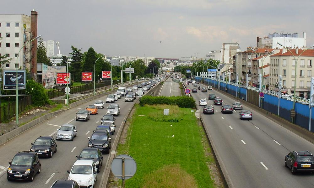 Deux experts veulent réserver la moitié du périph' parisien aux véhicules propres