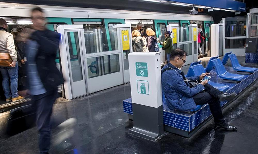 Merci la RATP : on peut enfin recharger son smartphone dans le métro parisien