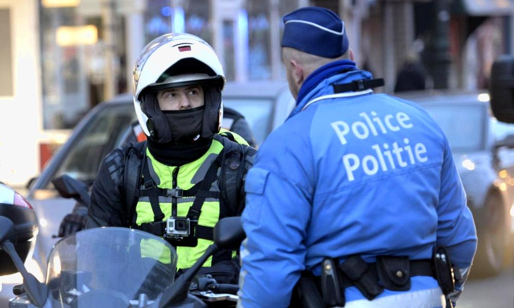 11 fois plus polluantes qu'une voiture : Bruxelles pense à interdire les motos