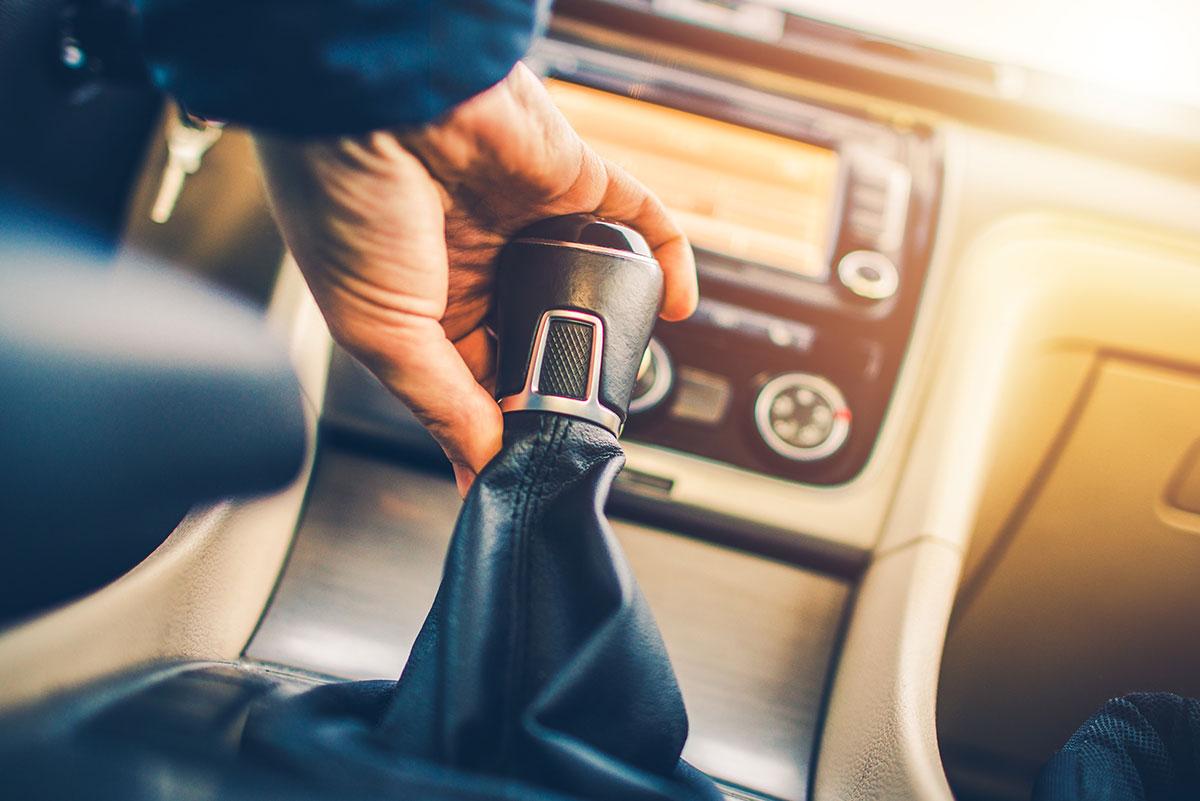 La transmission manuelle sera-t-elle bientôt un truc vintage ?