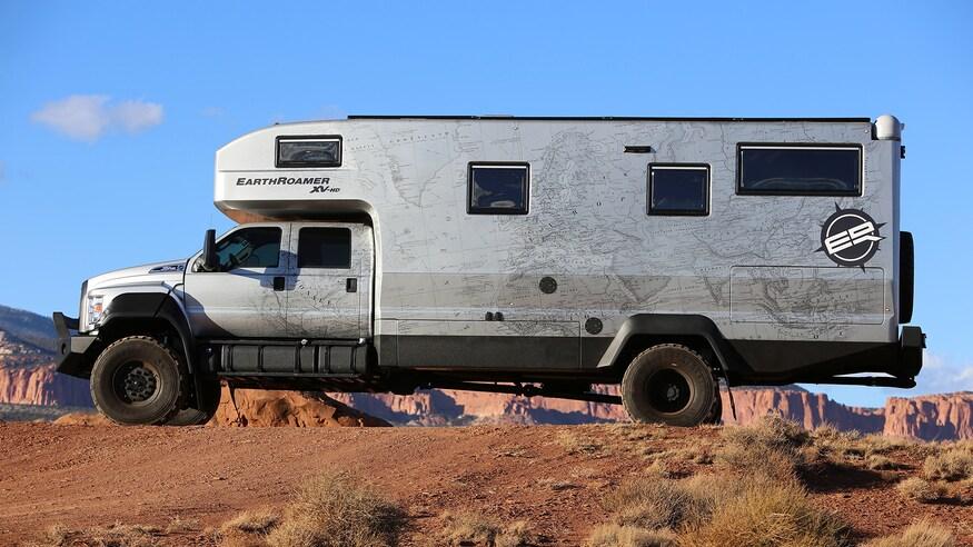 Votre cadeau de Noël, c'est ce camping-car à 1,5 million d'euros taillé pour l'apocalypse