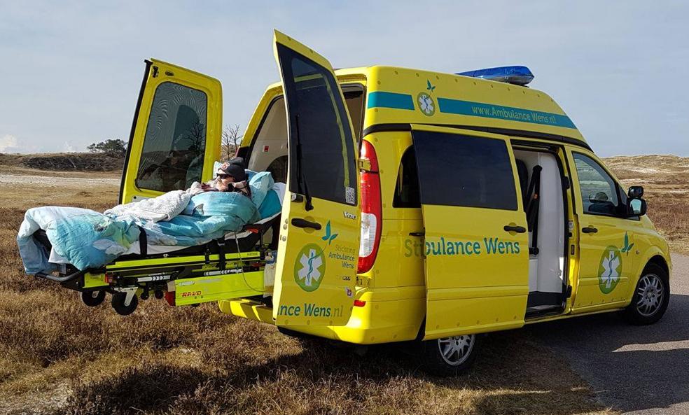 """Cette """"ambulance du bonheur"""" aide les malades en fin de vie à réaliser leurs rêves les plus fous"""