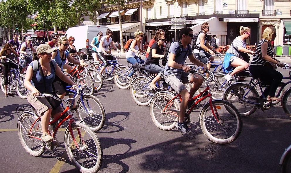 À Paris comme à Lyon, on vous offre 100 € pour vous déplacer à vélo
