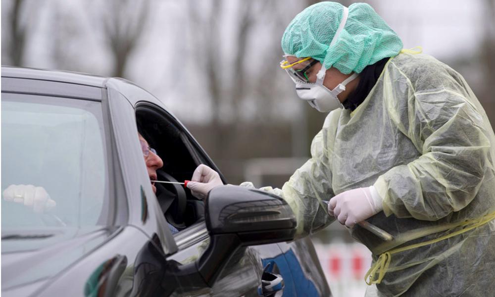 Partout en France, des drive reconvertis en centres de dépistage du coronavirus