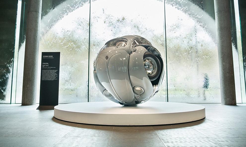 Ce sculpteur transforme des vieilles Volkswagen en œuvres d'art