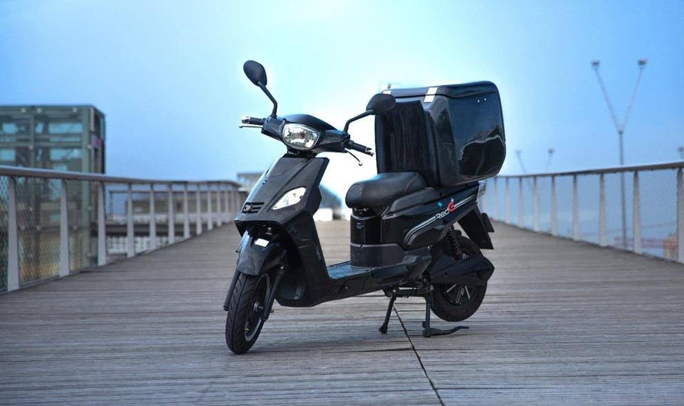 Ce scooter électrique peut faire l'équivalent d'un Paris-Bruxelles sans recharge