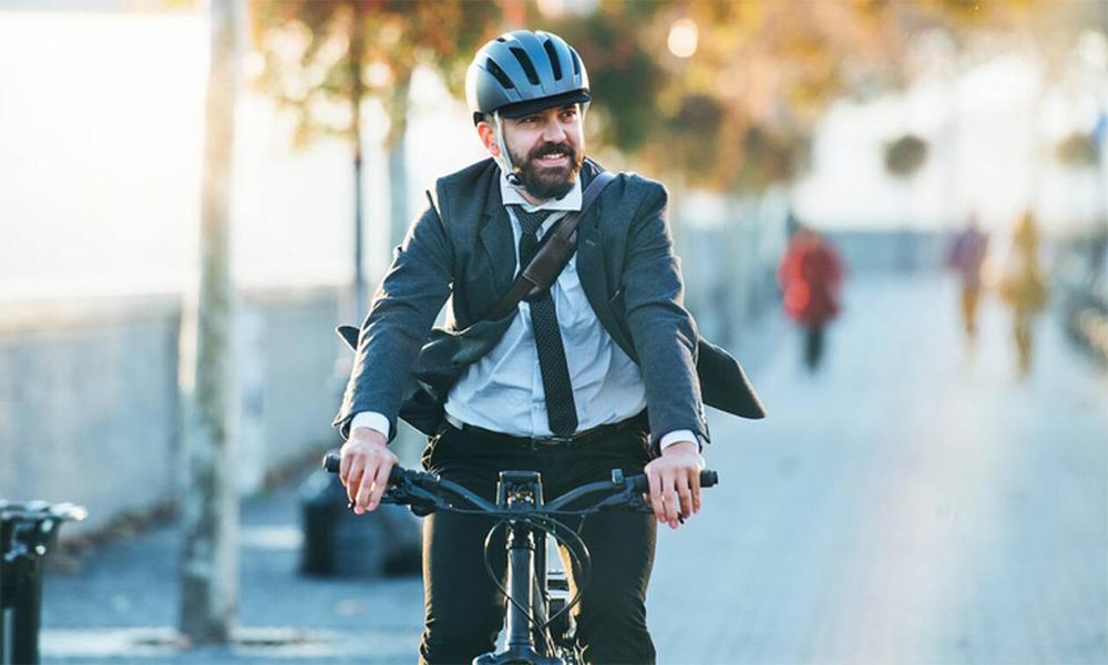 À Paris, des banquiers remplacent leurs voitures de fonction par des vélos