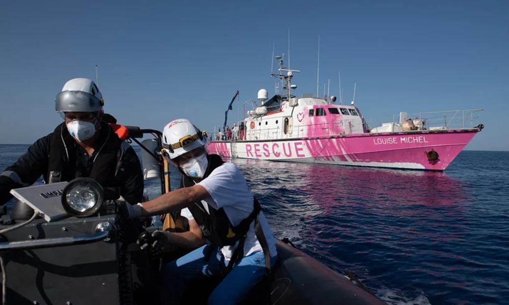 Marseille ouvre son port au navire de Banksy, avec 350 migrants à bord