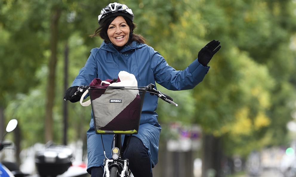 Anne Hidalgo veut-elle vraiment transformer Paris en ville 100% vélo ?