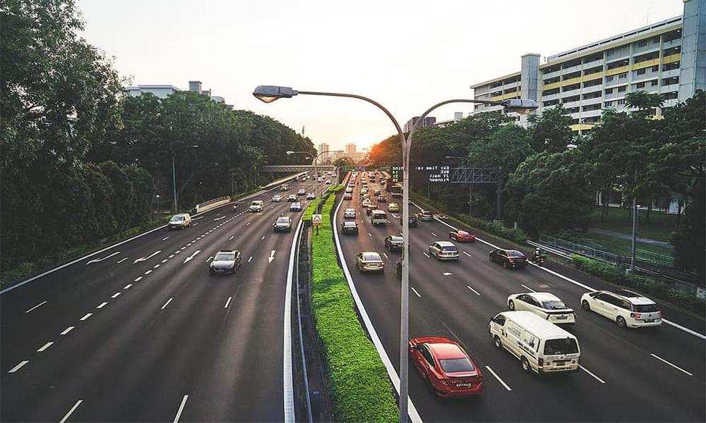 """À Singapour, on lutte contre les bouchons avec un """"permis de rouler"""" à 25 000 €"""