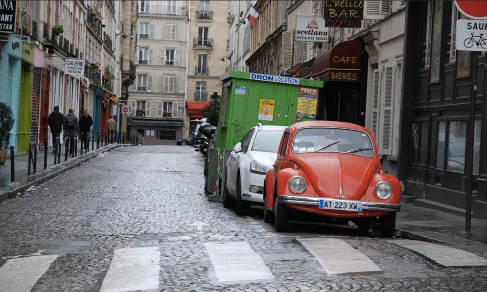 Coup dur pour les voitures : la mairie de Paris veut réduire les parkings de 50%