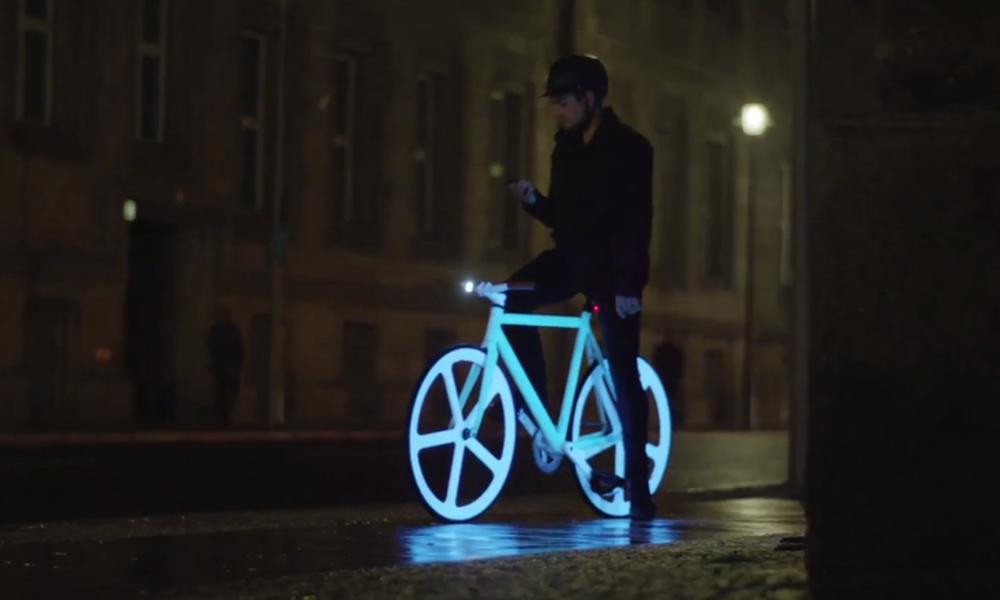Tuto : comment éviter les accidents à vélo avec de la peinture phosphorescente