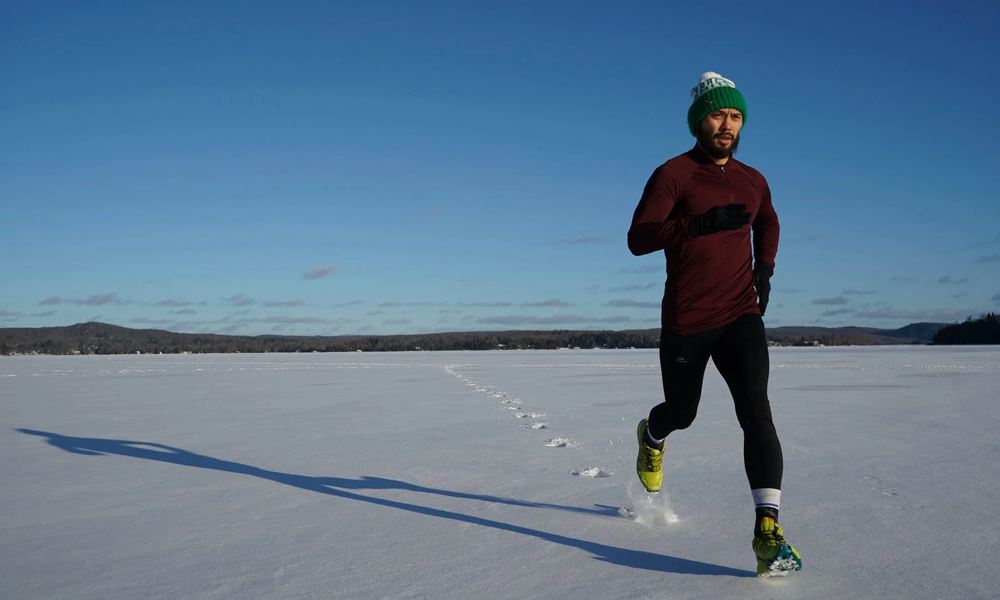 Bloqué par la neige, ce chirurgien court pendant 17 km pour rejoindre ses patients
