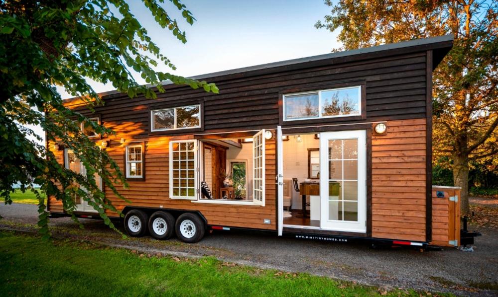 Plus de fenêtres, plus de soleil : cette mini-maison vous