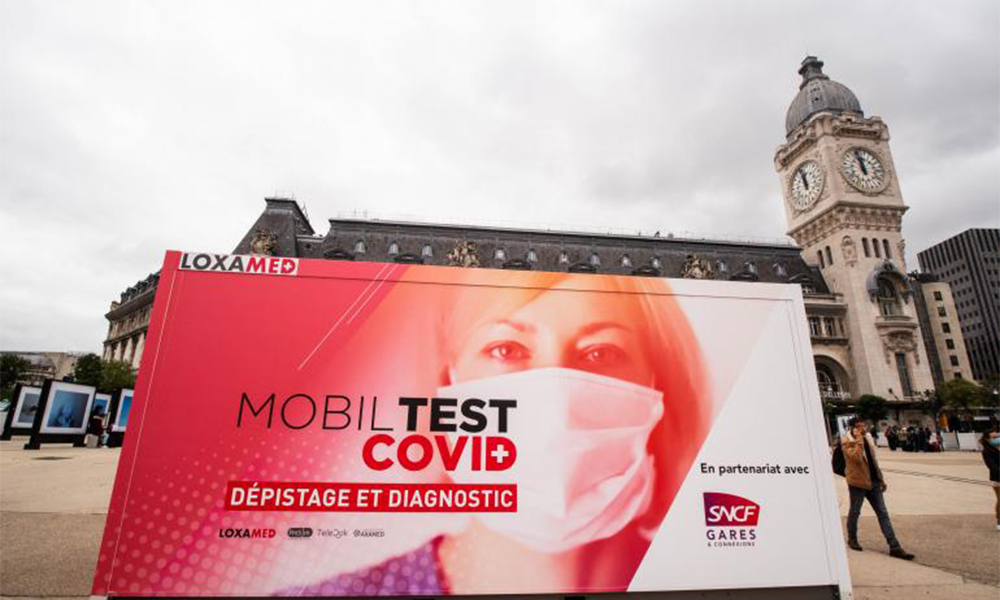 Contre la Covid-19, la SNCF multiplie les dépistages gratuits devant ses gares