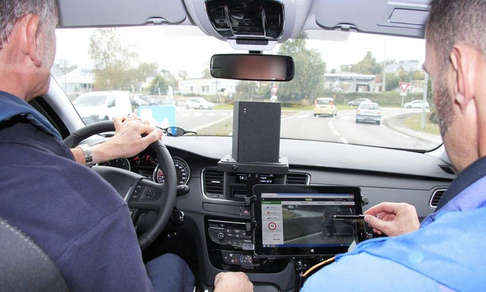 Tous aux abris, les voitures-radars patrouilleront bientôt dans toute la France