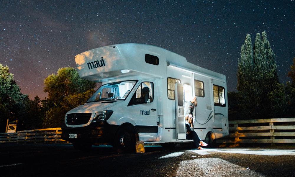 À 100 ans, elle sort de l'EHPAD et part en tour du monde en camping-car