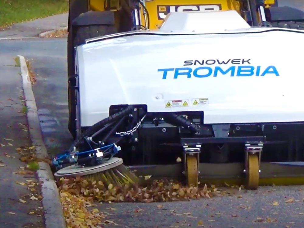 Ce robot-balayeur peut nettoyer une ville entière en une heure ! (vidéo) By DETOURS Trombia-robot-propre-rue